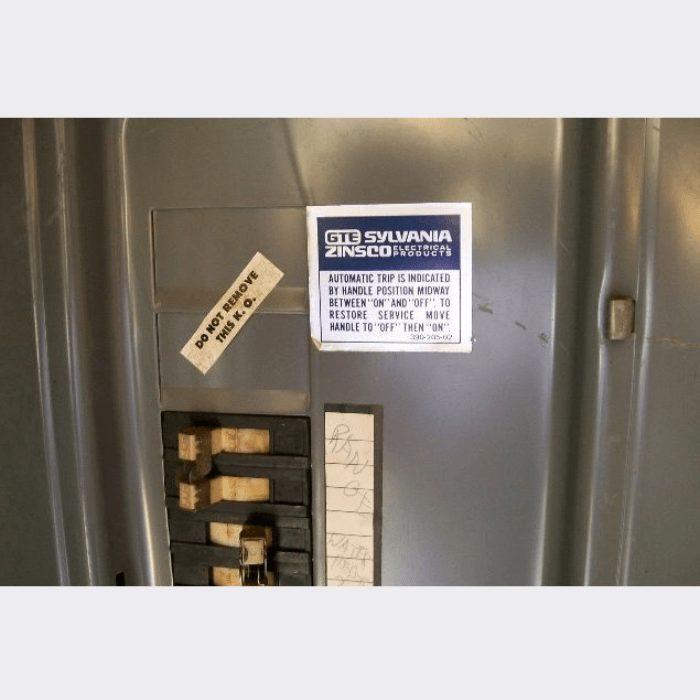 GTE Sylvania Zinsco Electrical Panel